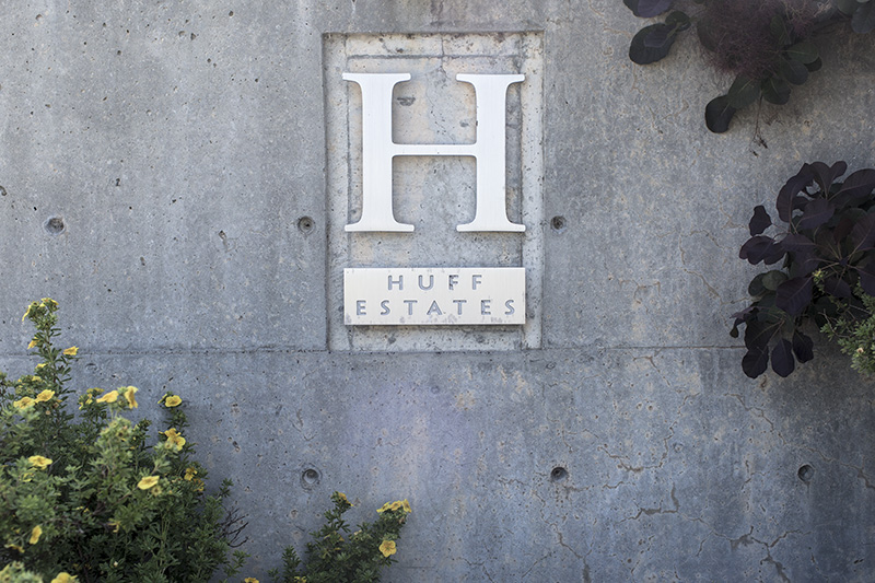 huff estate sign